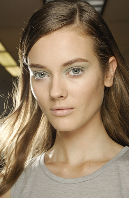 Similar to honey-blonde, a very light brown will pick up shine easily and reflect the natural light of the sun.